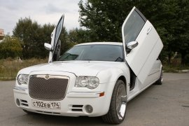 *Chrysler 300C (ламбодвери)* 10 мест
